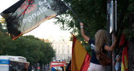 Delegación del Gobierno insta a la Policía a investigar amenazas de Falange contra los independentistas catalanes