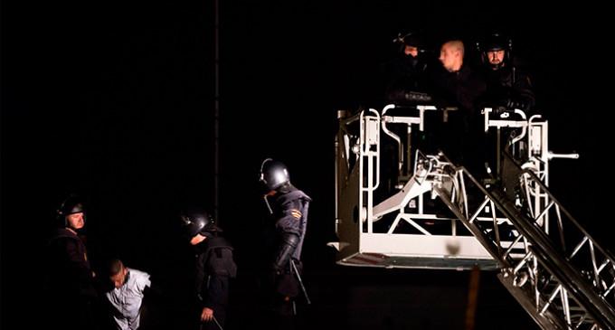 La Policía reduce con disparos un motín en el CIE de Zapadores