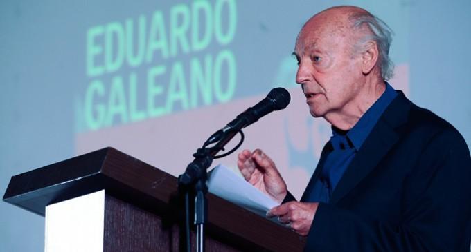 Homenaje a Eduardo Galeano, que ni vendió ni alquiló su escritura