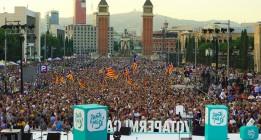 Junts pel Sí cierra la campaña con una demostración de fuerza en Montjuïc