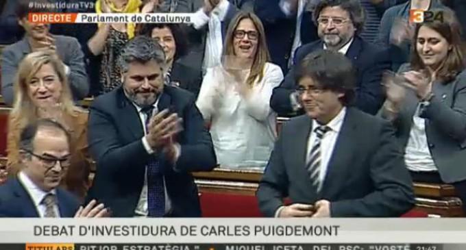 El convergente Carles Puigdemont, investido presidente de la Generalitat