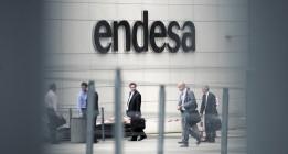 Andalucía multa con 400.000 euros a Endesa por fraude en el alquiler de contadores