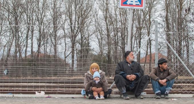 Serbia excluye de los campos de refugiados a las asociaciones críticas