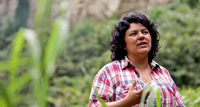 Indignación ante el asesinato de la líder indígena Berta Cáceres en Honduras