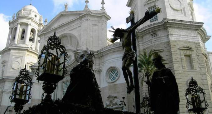 Sobre la ausencia de concejales en las procesiones