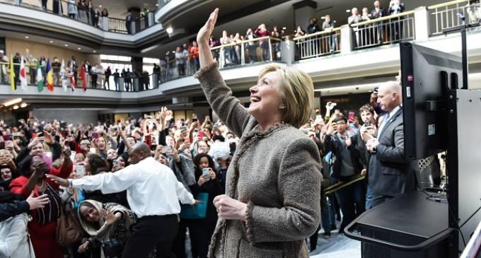 """Diana Johnstone: """"Hillary Clinton es el principal motivo de preocupación"""""""