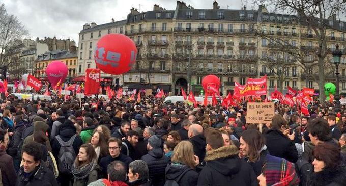 Una reforma laboral inspirada en la del PP desata la indignación en Francia