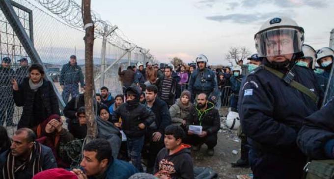 Las ONG, en pie de guerra contra la UE por la expulsión de los refugiados