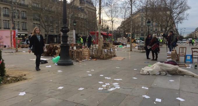 La policía desaloja sin incidentes a los indignados franceses