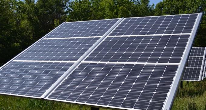 """El """"impuesto al sol"""" entra en vigor ante la incertidumbre de los autoconsumidores"""