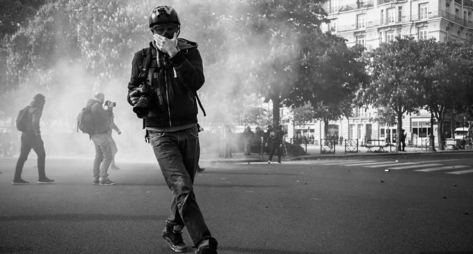 Francia usa el estado de excepción para impedir a un periodista cubrir una manifestación