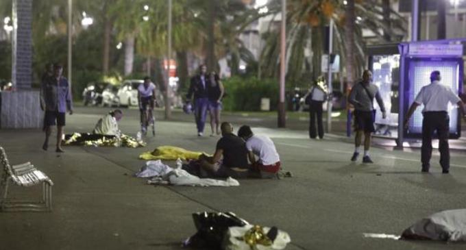 Niza: el terror vuelve a Francia