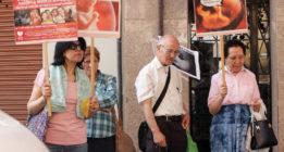 Grupos cristianos asedian las clínicas ginecológicas en Barcelona
