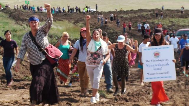 Protesta contra el oleoducto de Dakota.