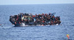 90 desaparecidos en un naufragio frente a las costas de Libia