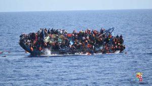 Imagen de archivo de un naufragio de inmigrantes frente a la costa de Libia.