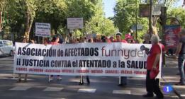 Los que sobran en Podemos tienen los dientes rectos
