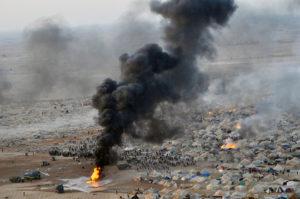 Desmantelamiento del campamento protesta Gdeim Izik, cerca de El Aaiún (Sáhara Occidental).