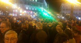 """Una concentración en Madrid denuncia la """"vergüenza"""" del sistema judicial"""
