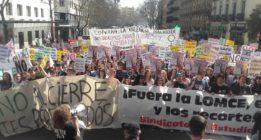 El sector educativo clama en la calle contra la LOMCE y los recortes