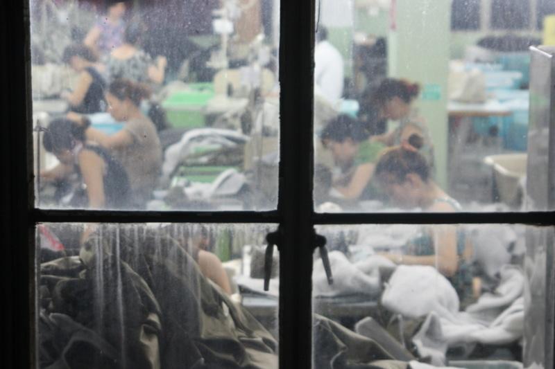 Fábrica de ropa en Jianxing, China. FOTO: MATT.