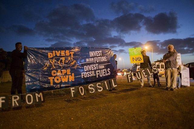 Acción por la desinversión en Sudáfrica. FOTO: Jennifer Bruce/350Africa