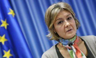 Isabel García Tejerina se abstiene en varias normativas vinculadas a fertilizantes y plaguicidas, sector en el que trabajó para OHL