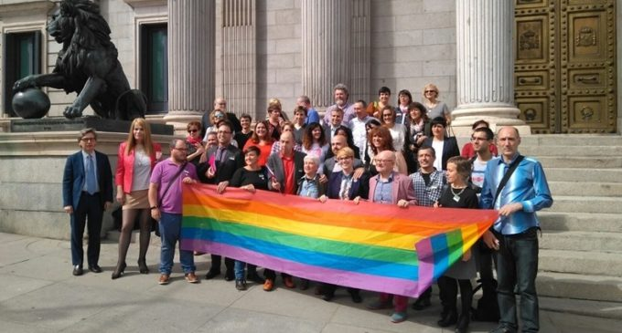 España baja más en el ranking de la defensa de los derechos LGTBI