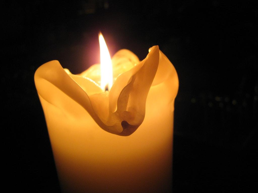 Tras dos meses sin electricidad, Rosa murió en el incendio desatado por las velas con las que se iluminaba. FOTO: Tnarik Innael.