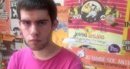 Multa de 600 euros a un activista LGTBI por perturbar la marcha del bus de Hazte Oír