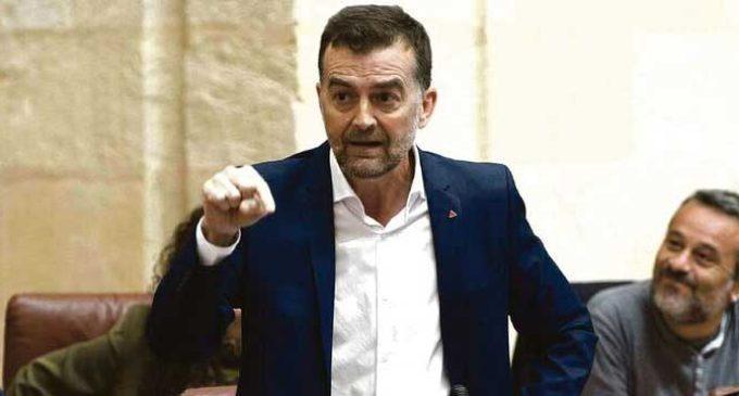 """Antonio Maíllo: """"Amamos con menos hipocresía, pero queda 'plumofobia'"""""""