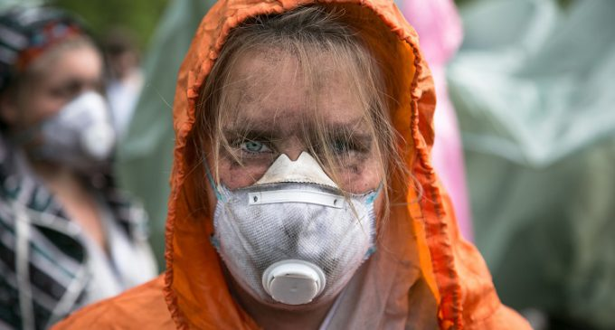 Más de 6.000 activistas por el clima bloquean las mayores minas de carbón de Alemania