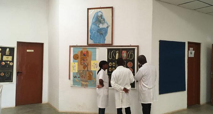 El milagro de hacer medicina en un pueblo de Angola