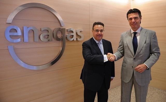 El presidente de Enagás, Antonio Llardén, con el ex ministro de Industria, José Manuel Soria. Foto: Enagás