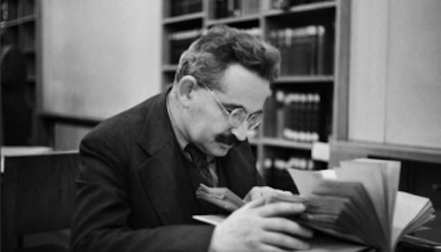 Walter Benjamin, filósofo, crítico literario y ensayista alemán.