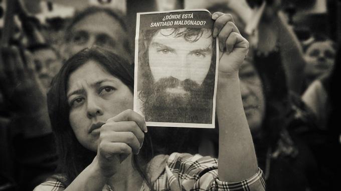 Concentración en la Plaza de Mayo de Buenos Aires tras la desaparición de Santiago Maldonado. Foto: Walter Piedras.