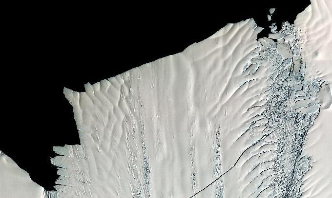 Imagen satelital del deshielo de la Antártida. Foto: NASA.
