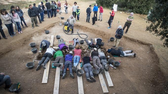Exhumación en Estepar (Burgos) en abril de 2015. Foto: Álvaro Minguito.