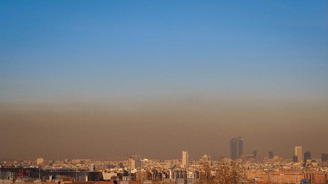 Boina de contaminación sobre Madrid / Foto: Sergio Cambelo / CC BY-SA 2.0