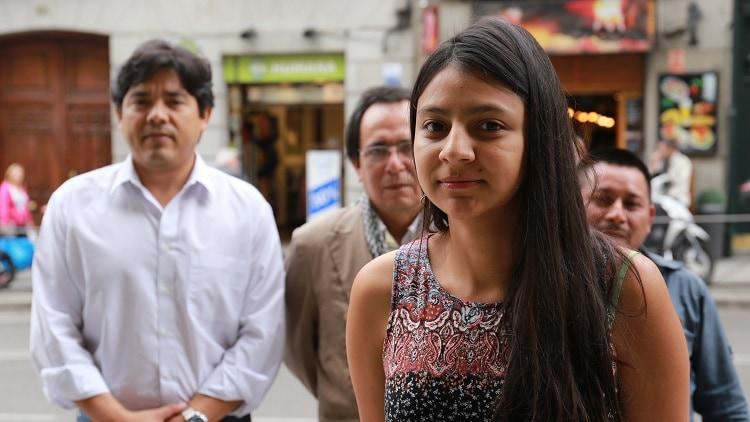 Laura Zúñiga Cáceres, acompañada por miembros del COPINH y el GAIPE. Foto: J.B.