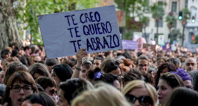 Unidos Podemos registra una ley que elimina la distinción entre agresión y abuso sexual