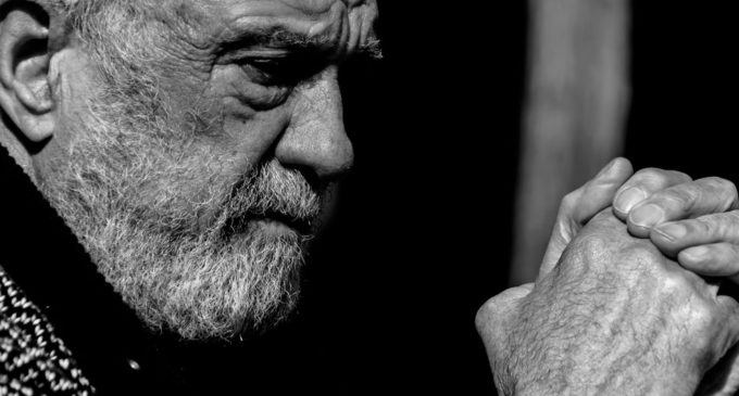 """Manolo Chinato: """"Me defino como un pequeño anarquista encadenado"""""""
