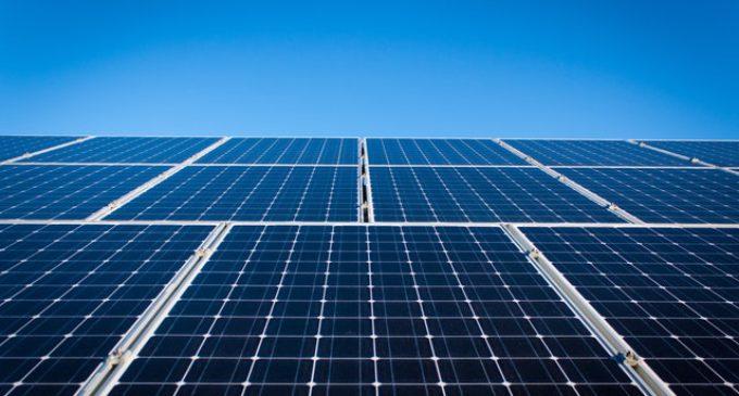 Un generador solar fotovoltaico para contagiar la solidaridad