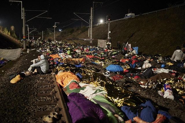Activistas bloquean las vías férreas cercanas a la mina de carbón de Hambach. Foto: Nora Börding/Ende Gelände/Flickr (CC BY-SA 2.0)