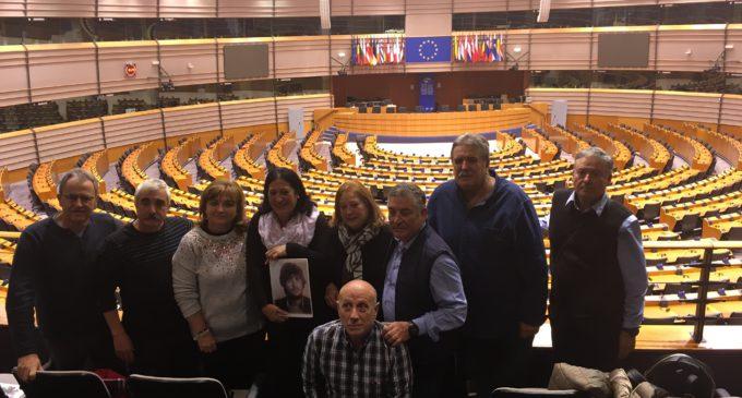 La impunidad de los crímenes en la Transición llega al Parlamento Europeo