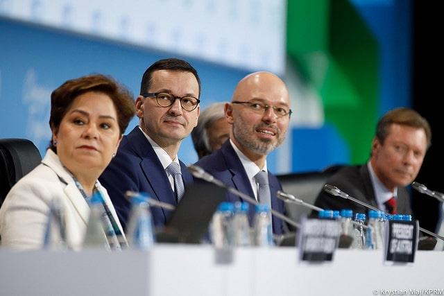 La líder de la sección de cambio climático de la ONU, durante la apertura de la ceremonia. Foto: Oficina del Primer Ministro de Polonia/Flickr. (Dominio Público)