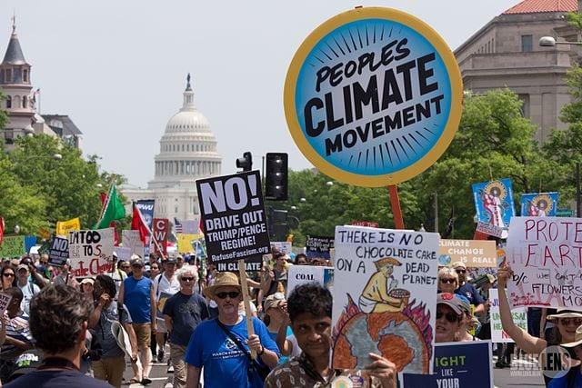 Manifestación por el clima en Washington DC en marzo de 2017. Foto: Mark Dixon/Wikimedia (cc-by-2.0)