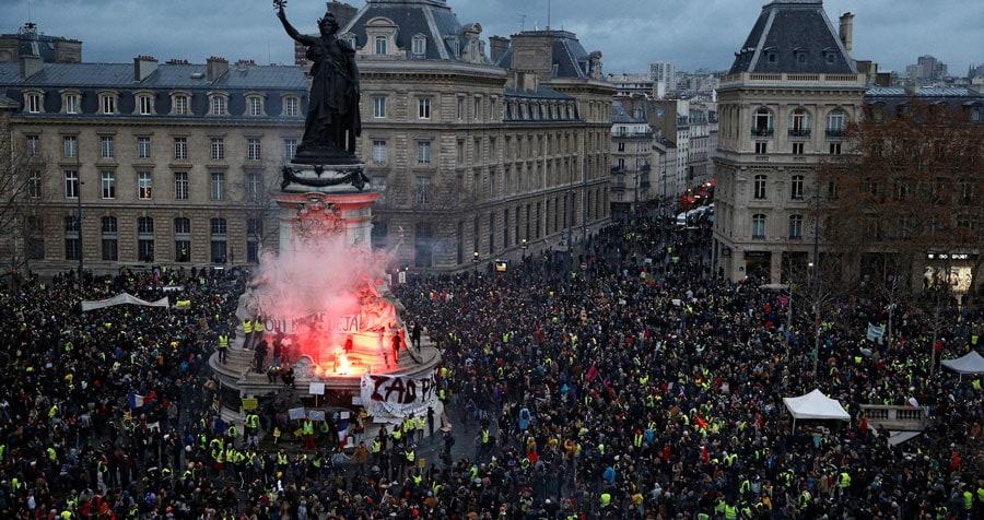 Resultado de imagen de Chalecos amarillos, preámbulo de una crisis ecosocial global